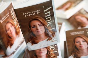 Centerpartiets partiledare Annie Lööf (C) har utkommit med den nya boken