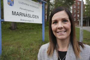 """""""Jag förstår att förslaget väcker tankar och att personalen känner besvikelse över att de inte har fått information tidigare. Vi får fundera över om vi hade kunnat hantera det annorlunda"""", säger Eva Björsland."""