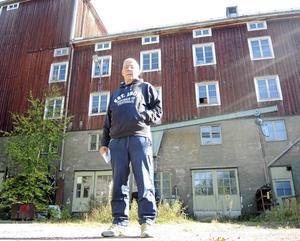 Mitt i Säter ligger den gamla Kvarnen i vars källardel biltillverkaren Ferrari hade tävlingsverkstad inför TT-loppet i Hedemora 1954.