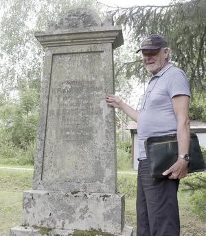 Eric Cederborgh var det som anlade kyrkogården 1853.