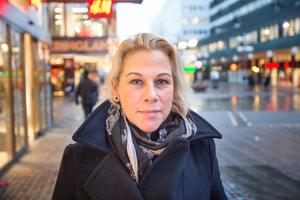 """Malena Danell, 38, chefsassistent, Västergård: """"En resa till solen. Jag tycker inte om klimatet här i Sverige. Det är för kallt."""""""