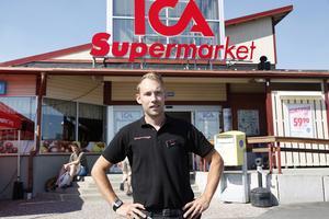 Sebastian Lindström är Ica-handlare i Sveg.