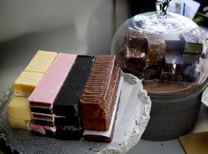 Fudge. Bland sötsakerna finns bland annat fudge i olika smaker.
