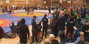 Ostens Minnescup fyllde Sturehallen med både aktiva brottare och publik. Foto: Arboga AK