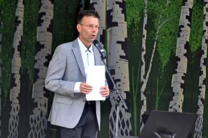 Attityden mot energidrycker har förändrats, menar rektor Per Sandberg.