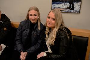 Julia Nilsson och Filippa Nilsson gillar Ken Rings senaste album.