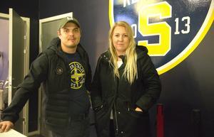 Robin Johansson och Mikaela Gustavsson, vice ordförande respektive ordförande i Supporterklubben, är oroliga över det minskade intresset för SSK.
