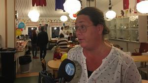 Lotta Borg (Timråpartiet) under valvakan i Söråker.