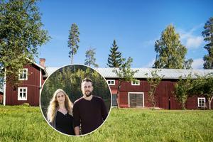 Illiana Anklew och Daniel Adelander lämnade en trång lägenhet i Stockholm för en gård i Torpshammar. De var med i  vår tävling där mässbesökarna skulle gissa vem som bodde var.