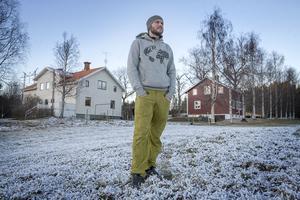 Erik Wanneberg bytte en tvåa i Solna mot en stor gård i Tavnäs med målet att bli självförsörjande.