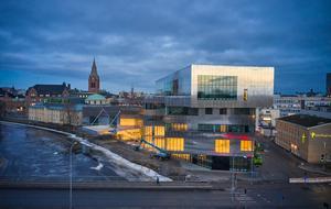 Det nya Örebro smyger sig in i stadsmiljön. Kulturkvarteret är bara ett exempel. FOTO: Joakim Kröger, NCC