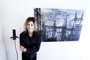 Verkskraft: Nu målar Peter Endahl och ställer ut på Konstifik i Sandviken.