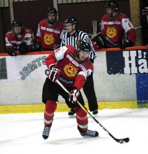 Dan Pettersson hörde ingenting från moderklubben Mora IK inför nästa år – trots succén i Västervik.