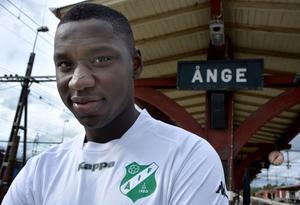 När övergången till norska Fredrikstad inte godkändes skrev Alagie Sosseh på för Ånge IF.