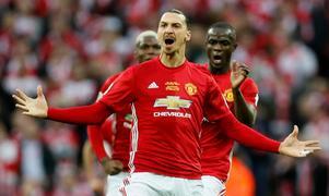 Zlatan Ibrahimovic jublar efter ett av sina mål i United-tröjan.