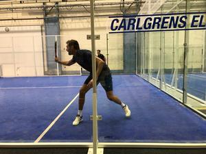 Andreas Isaksson såg med sin längd ut som en riktig gammal hårdservande tennisspelare.