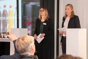 Barbara Tönz, vd Coca-Cola AB, och Sofie Eliasson Morsink, vd Coca-Cola European Partners Sverige AB, var båda mycket stolta när de presenterade nyheten att produktionen snart kommer att använda 100 procent återvunnen plast.