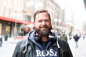 """Markus Andersson, 40, beredare från Trosa: """"Ja jag spelar lite grann med jobbet på travet. VI har inte vunnit några större summor, 15 kronor kanske. Jag köper bara en andel"""""""