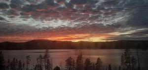 Vacker solnedgång över hennansjön