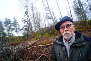 Rolf Viking var en stabil guide, även fast han sa sig inte vara så kunnig på området. Men det är tack var honom och den tid han tog som besöket på Källbergsbacken blev möjligt.