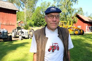 Anders Luthman i Lekebergs motorveteraner har sett till att trycka upp en egen tröja med sin favvotraktor.