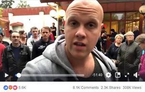 Debattören Joakim Lamottes Facebook-sändning från Sätra har hittills visats över 300 000 gånger. I videon berättar människor att de utsatts för stenkastning, hot och våld.