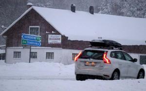 Väghållaren Svevia flaggar för att det är mycket fjälltrafik och risk för snörök på E14 genom Ånge kommun.