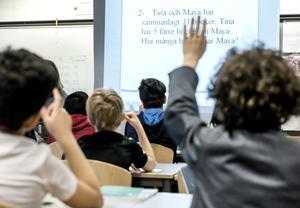 Elever under mattelektion. Foto: Lars Pehrson