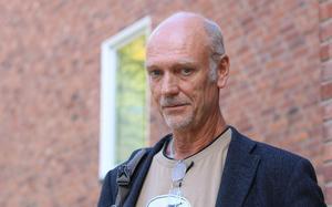 Filosofen och lyckoforskaren Bengt Brülde har studerat vilken förgörande olycka ensamhet innebär för en människa. Foto: Monica Havström/Göteborgs universitet