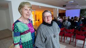 Elisabeth Stockhaus och Birgit Lundgren från Trönö hembygdsförening föreläste på biblioteket i Söderhamn under tisdagen.