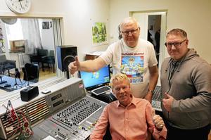 Oldies FM är Radio Gävles färskaste format. Sven-Erik Lundberg, Roffe Bergh och Jimmy Dyrebrant utlovar dagliga sändningar med lättillgänglig musik, från 20-talsblues till 90-tals-hits..
