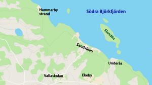 Sandviken ligger norr om Ekeby vid Björkfjärden i Mälaren.