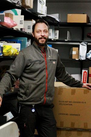 – Jag förstår att många butiker väljer bort tjänsten som postombud, säger Peppe Jansson.