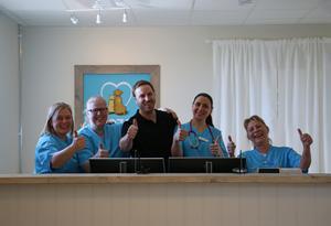 En ny veterinärklinik slog upp dörrarna!  Noza Smådjursklinik bjöd in till invigning i april, med Angelica Sternerfors, Maroesja Martens, Johan Eklöf, Nadina Cojocaru och Lena Eliasson i spetsen.