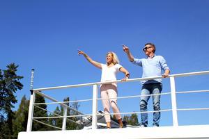 Mia och Göran planerar att åka till Strängnäs i sommar.