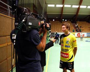 Jerry Tollbring intervjuas av SVT efter elitseriepremiären mot Hammarby borta. En match där 18-åringen gjorde elva mål.