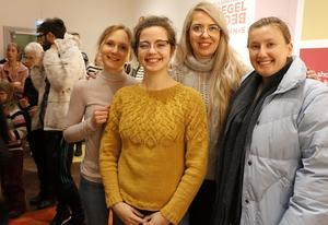 Internationellt besök från Örebro universitet. Fr.v: Carolin Zorell från Tyskland, Carolina Palma från Portugal, samt Andreea Badache och Anca Cristea från Rumänien.