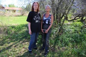 Helen Martis, Kims ägare och Minette Lindström, en av många personer, som engagerat sig i Kims försvinnande.