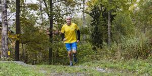 Fagerstabon Ola Bäckström älskar att utmana sig själv inom veteranfriidrott. Hittills har han vunnit flera SM-medaljer och deltagit i VM två gånger.