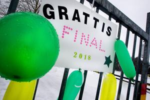 På Skutskärs Ip hänger lyckönskningar till laget som tagit sig till SM-final på blott två år.