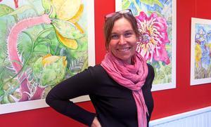 Erica Magnussons inre resa ledde fram till de nya akvarellmålningarna som visas på Galleri Brynästorget.