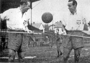 Lasse Pettersson och Henry Ohlsson, fotboll Västerås. Foto: VLT:s arkiv