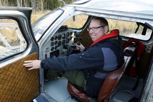 – Planet är hur skönt som helst att flyga. Man vill aldrig landa, säger Mats Rönning.