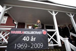 Prinssessan Madeleine fick lyssna på historien bakom bildande av Hasselakollektivet för 40 år sedan.