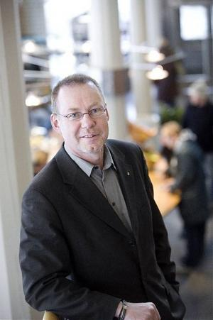Mittuniversitetets multicampusmodell är enligt rektor Anders Söderholm stilbildande inför de fördjupade samarbeten mellan olika lärosäten som just nu förhandlas i Mälardalen och mellan Växjö och Kalmar.