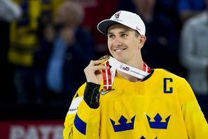 Mikael Backlund med sitt VM-guld år 2018. 2019 tackar han nej till VM-spel. Bild: Ludvig Thunman/Bildbyrån.