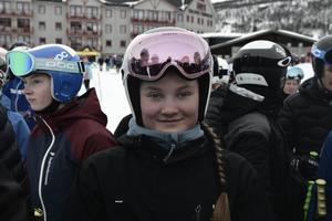 Lina Lundholm från Hoverberg tävlar för Klövsjö Alpina.