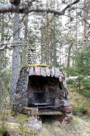 Utegrill i slaggsten. Foto: Fastighetsbyrån Fagersta