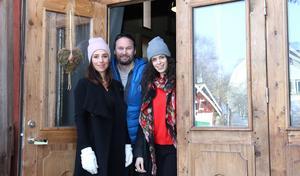 Sara Edberg, Sebastian Edberg och Cecilia Säverman öppnar snart dörren till premiären på