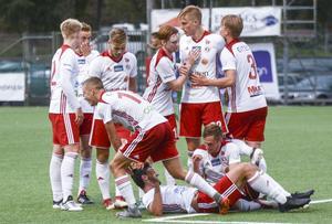 Hudiksvalls FF slutade på andraplats i division 2 Norrland, men sedan tog säsongen stopp i kvalet till division 1.